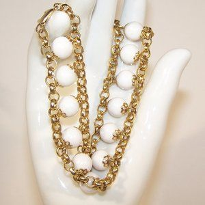 Vintage Gold Tone and White Bead Bracelet